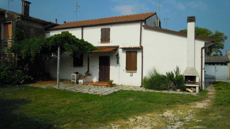 Soluzione Indipendente in vendita a Voghiera, 2 locali, zona Località: Voghiera, prezzo € 70.000 | Cambio Casa.it