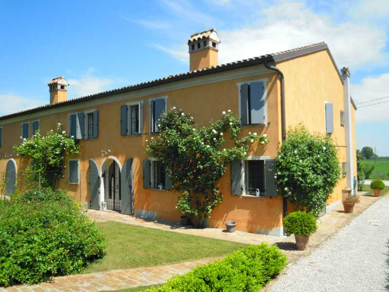Soluzione Indipendente in affitto a Ferrara, 3 locali, zona Zona: Gaibanella, prezzo € 1.600 | Cambio Casa.it