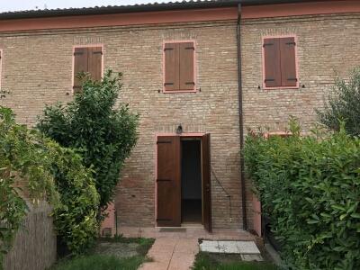 Soluzione Indipendente in affitto a Ferrara, 1 locali, zona Località: Fuori Mura, prezzo € 450   Cambio Casa.it