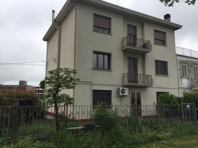 Appartamento in vendita a Vigarano Mainarda, 2 locali, zona Località: Vigarano Mainarda, prezzo € 100.000 | Cambio Casa.it