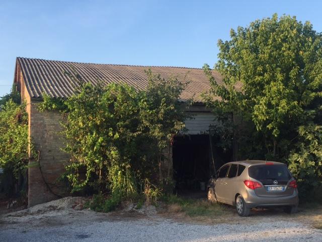 Magazzino in vendita a Ferrara, 9999 locali, zona Zona: Aguscello, prezzo € 80.000 | Cambio Casa.it