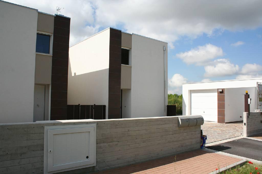 Villa in vendita a Ferrara, 3 locali, zona Località: Fuori Mura, prezzo € 360.000   Cambio Casa.it