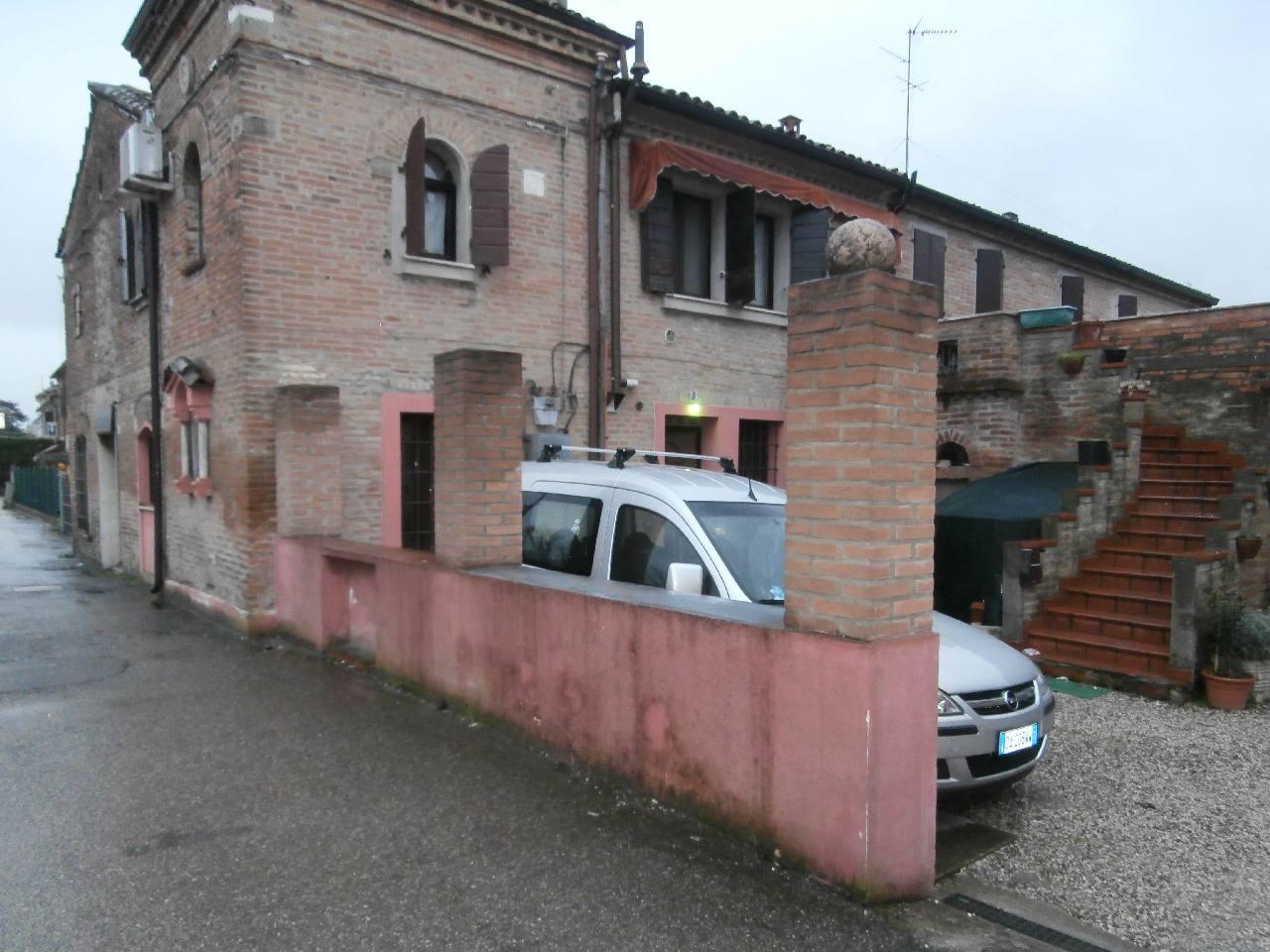 ferrara vendita quart: via modena bozzolani-immobiliare