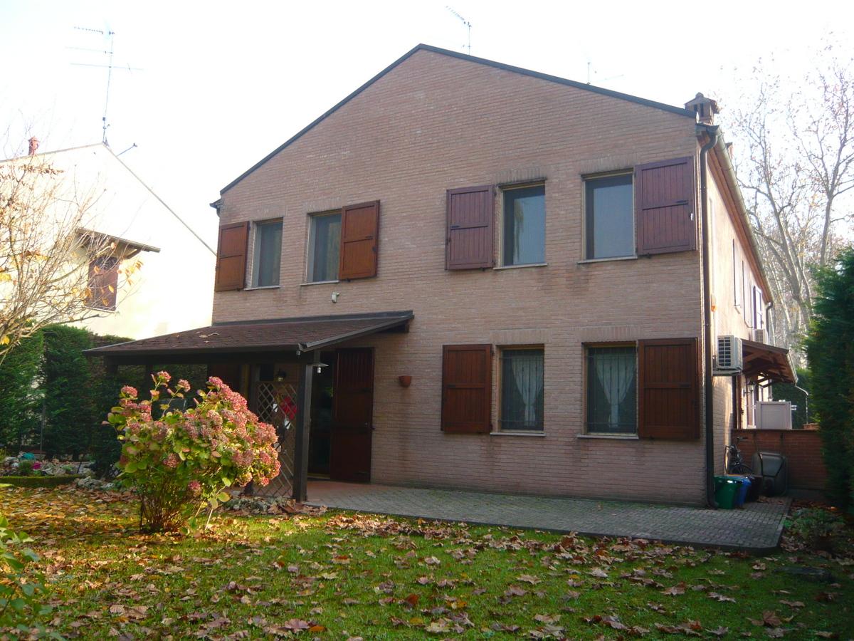 Villa Bifamiliare in vendita Ferrara Zona Via Comacchio