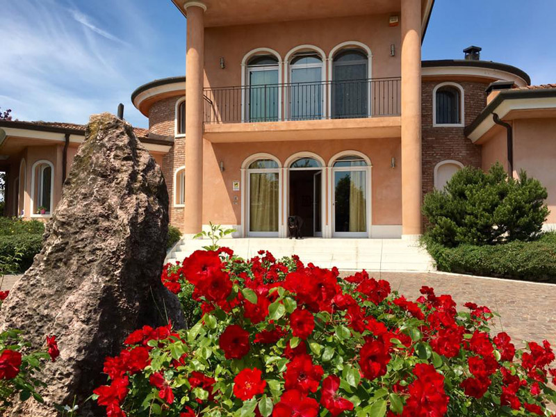 Villa Indip. in vendita Ferrara Zona Montalbano