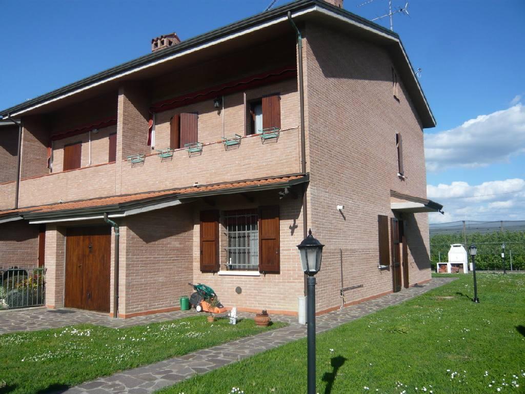 Villetta Di Testa in vendita Ferrara Zona Via Bologna