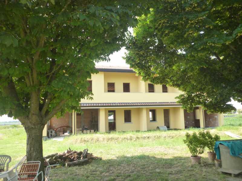 Villa in vendita a Ferrara, 2 locali, zona Zona: Via Bologna , prezzo € 120.000 | CambioCasa.it