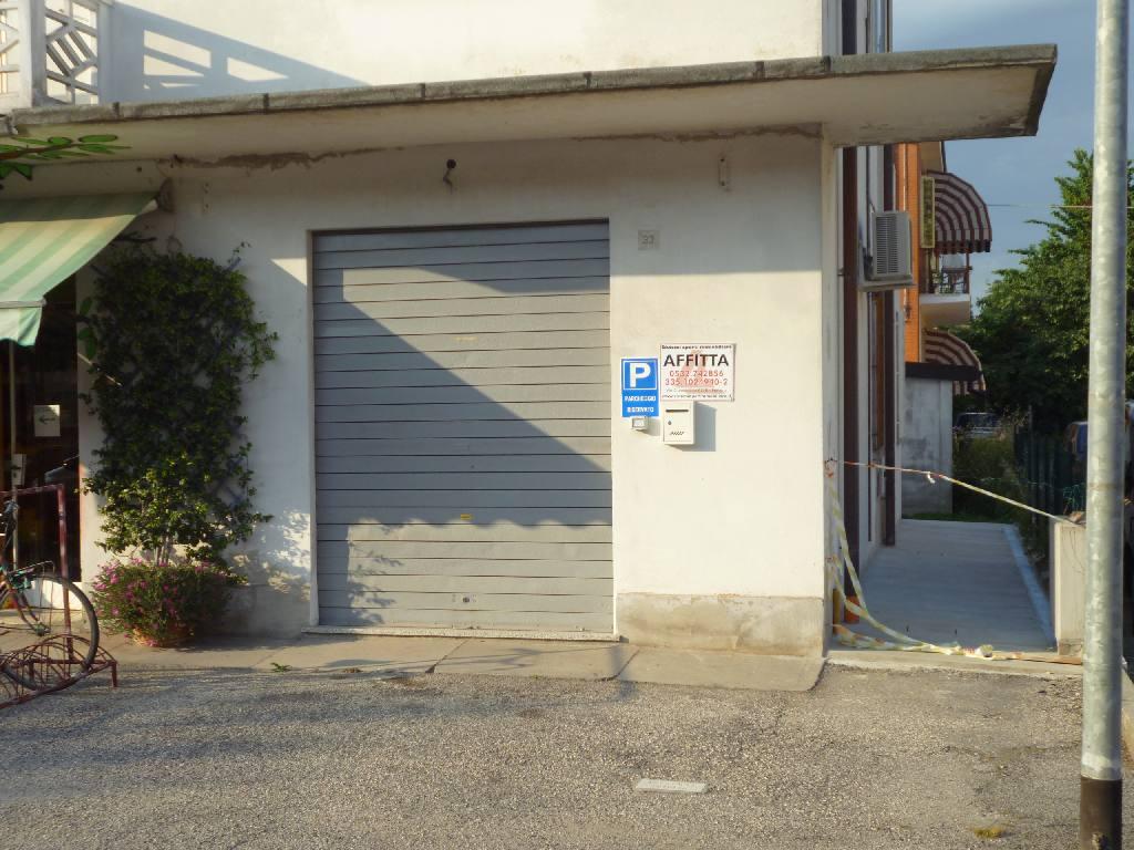 Negozio / Locale in affitto a Ferrara, 9999 locali, zona Zona: Porotto-Cassana, prezzo € 350 | CambioCasa.it