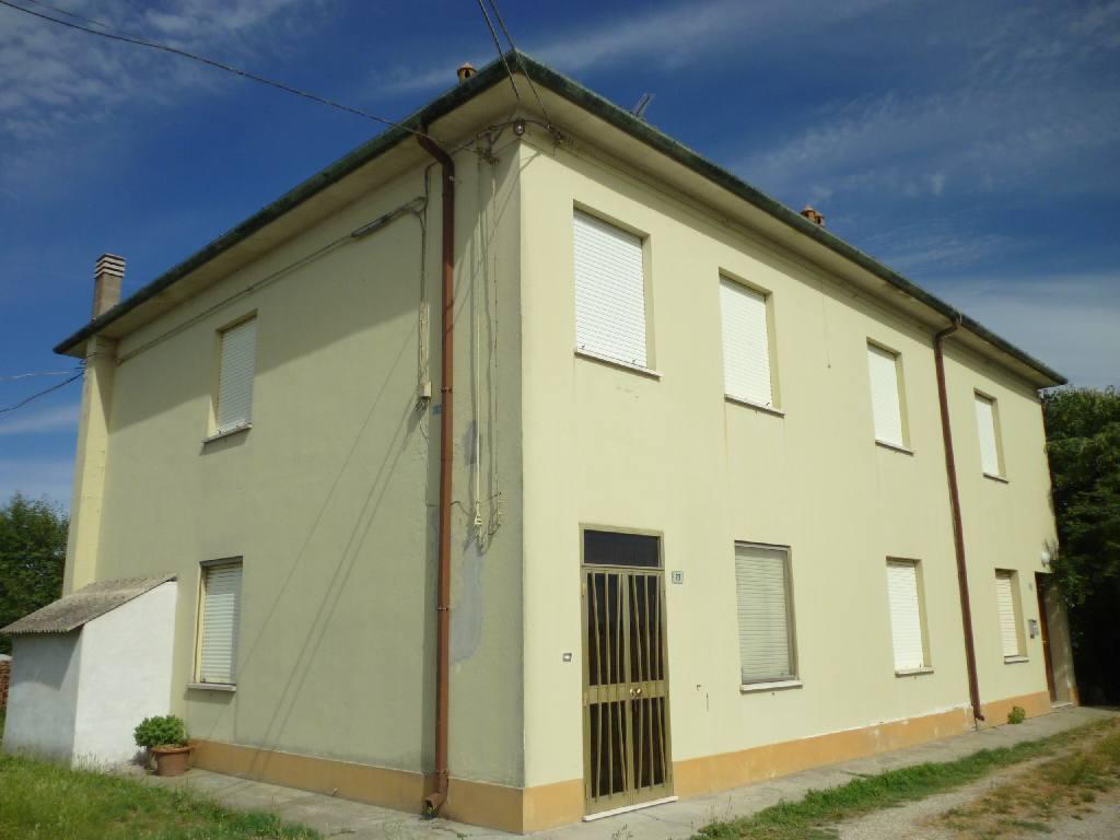 Villa Bifamiliare in vendita a Voghiera, 3 locali, zona Località: Voghiera, prezzo € 48.000 | CambioCasa.it