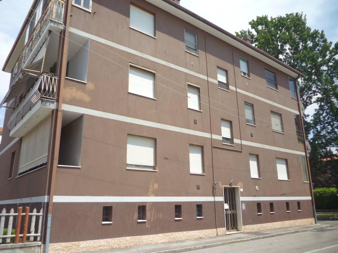 Appartamento in vendita a Ferrara, 3 locali, zona Zona: Via Bologna , prezzo € 85.000 | CambioCasa.it