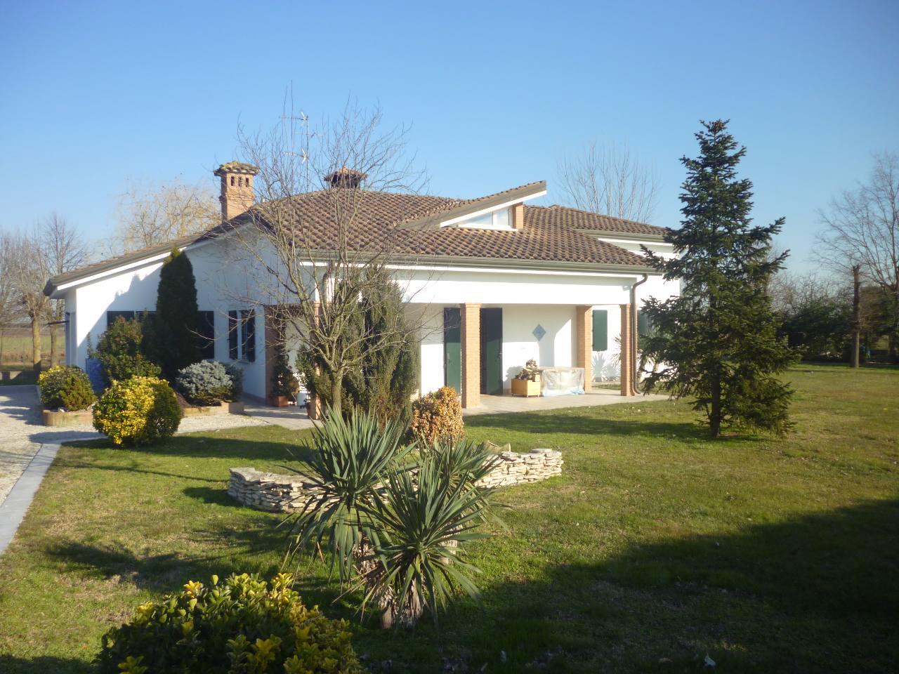 Villa in vendita a Ferrara, 3 locali, zona Zona: Gaibanella, prezzo € 410.000 | CambioCasa.it
