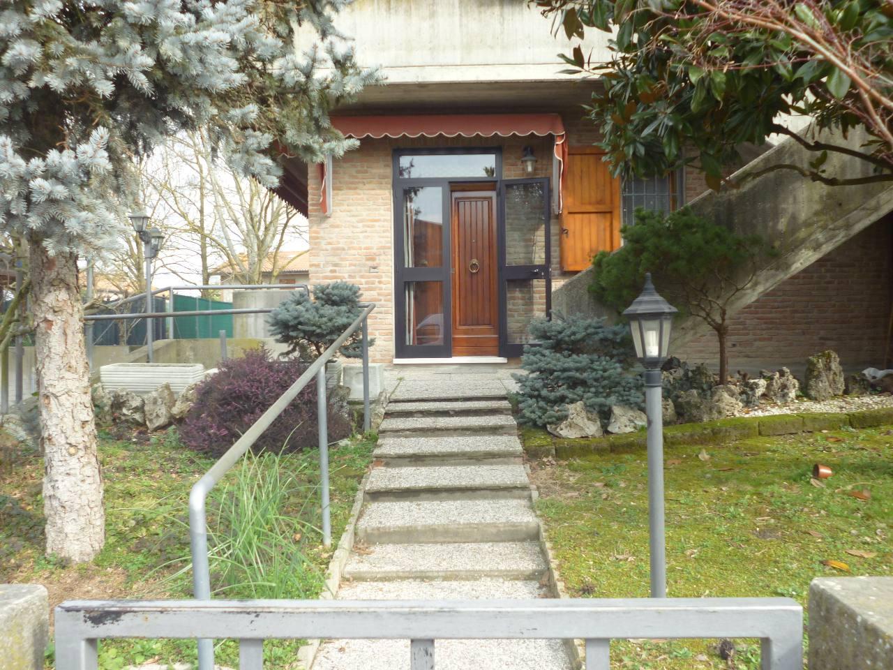 Appartamento in vendita a Voghiera, 2 locali, zona Località: Voghiera, prezzo € 110.000   CambioCasa.it