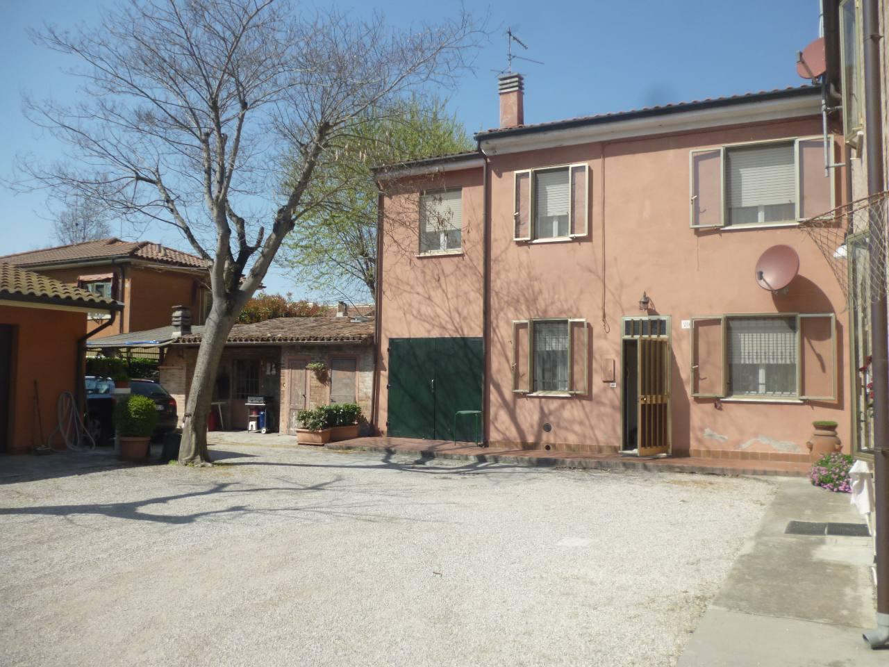 Villa Bifamiliare in Vendita a Ferrara