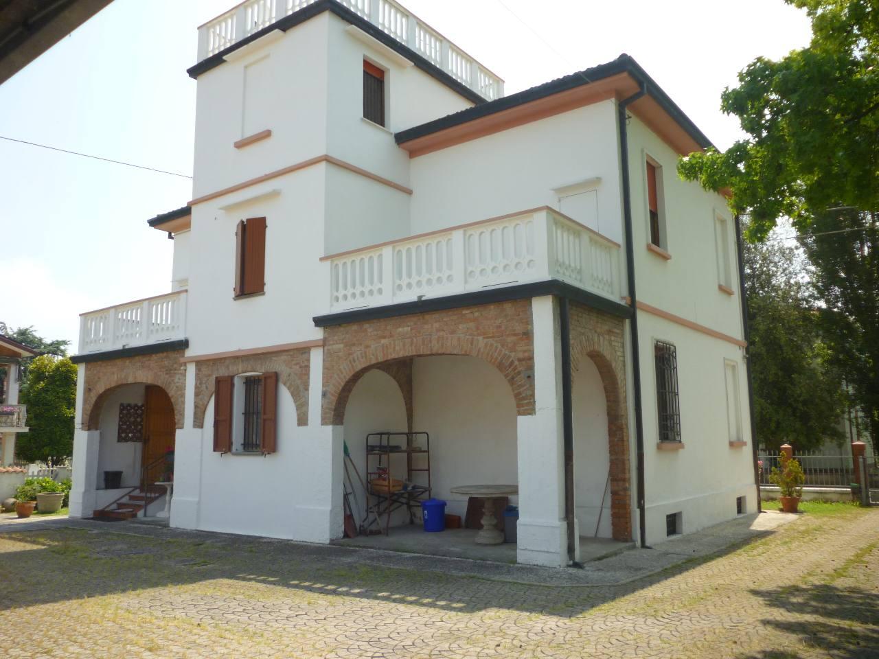 Villa in vendita a Voghiera, 4 locali, zona Località: Voghiera, prezzo € 295.000   CambioCasa.it