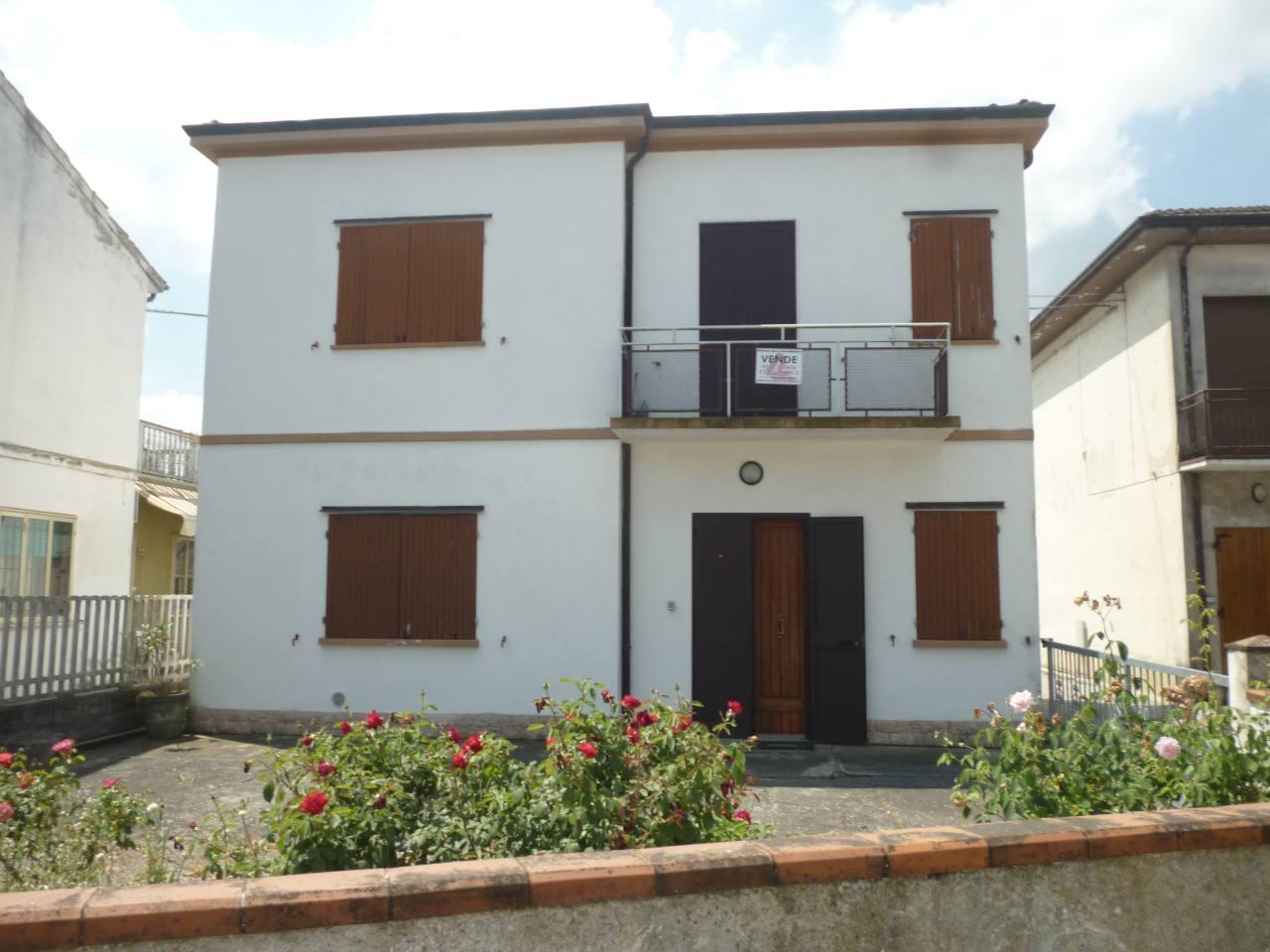 Soluzione Indipendente in vendita a Masi Torello, 2 locali, zona Località: Masi Torello, prezzo € 78.000 | CambioCasa.it