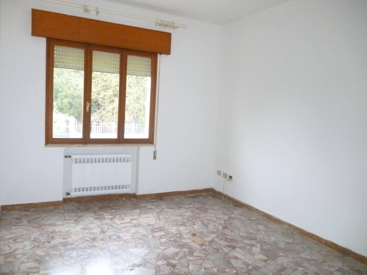 Appartamento in affitto a Ferrara, 1 locali, zona Località: Villa Fulvia, prezzo € 500 | CambioCasa.it