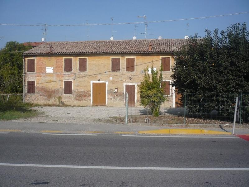 Villa in Vendita a Mirabello