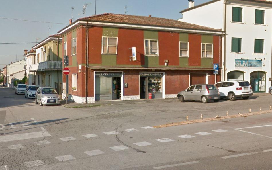 Licenza in vendita Ferrara Zona Via Modena