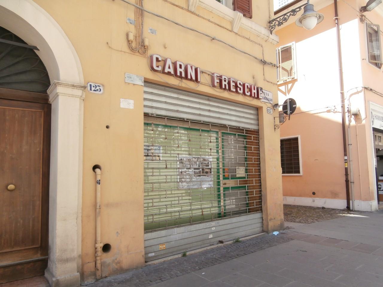 Negozio in affitto Ferrara Zona Centro Storico