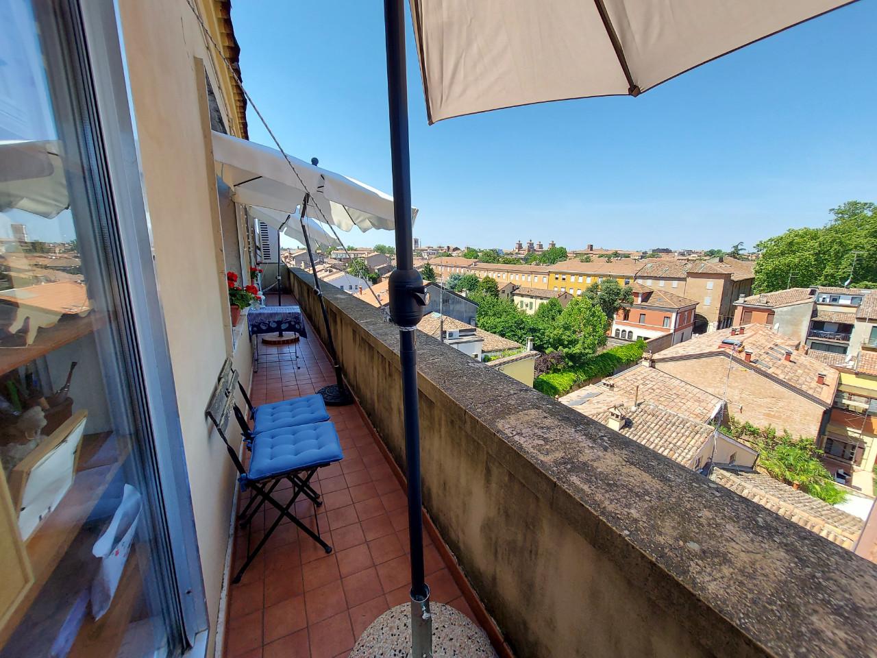 Attico in vendita Ferrara Zona Piazza Ariostea
