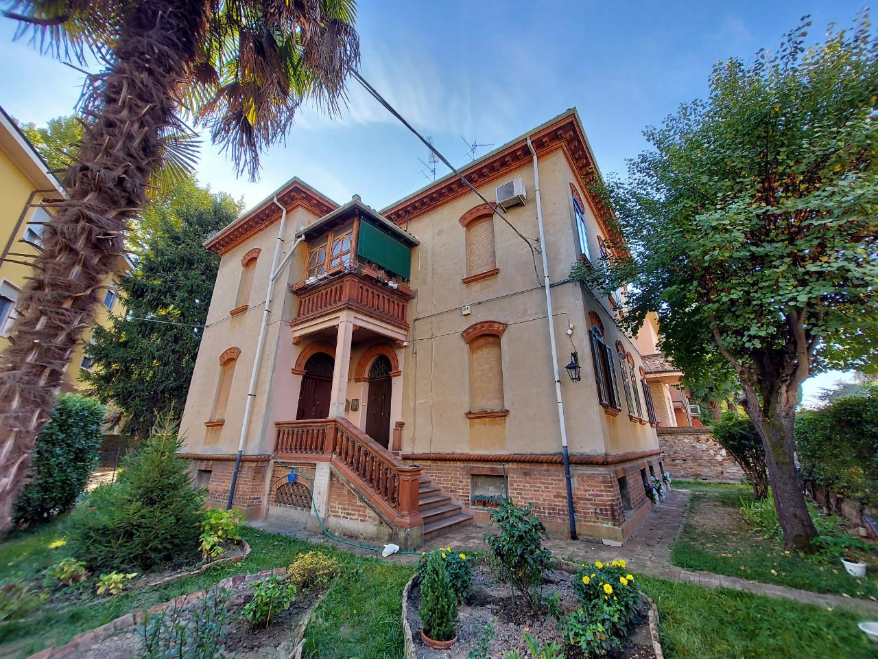 Bifamiliare Porz. in vendita Ferrara Centro Storico