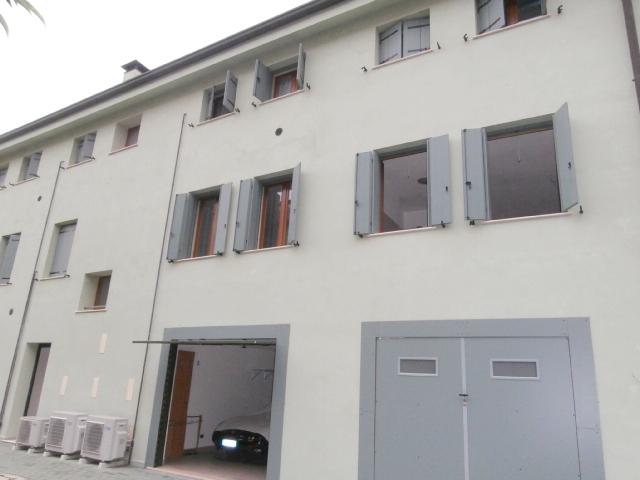 Appartamento in vendita Ferrara Zona Via Pomposa