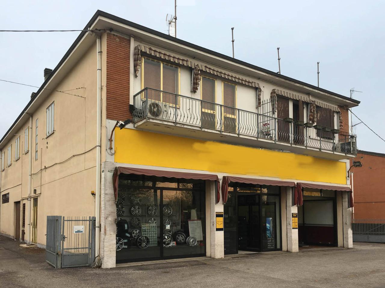 Negozio in vendita Ferrara Zona Via Bologna