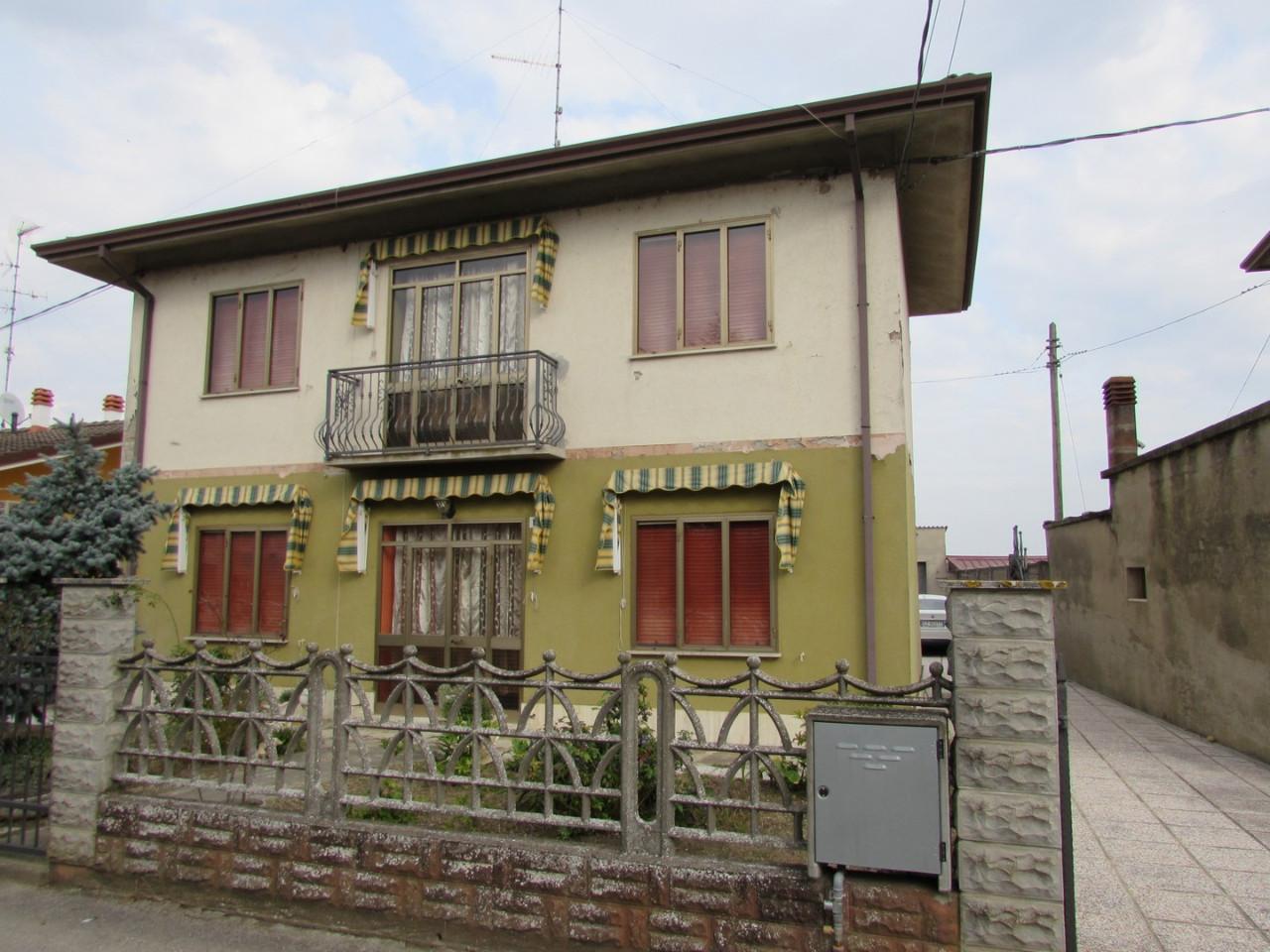 Casa Indipendente in vendita Berra