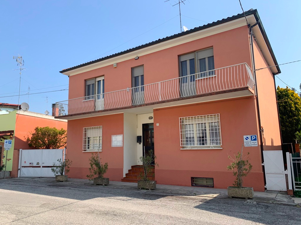 Villa Indip. in vendita Ferrara Zona S. Bartolomeo in bosco