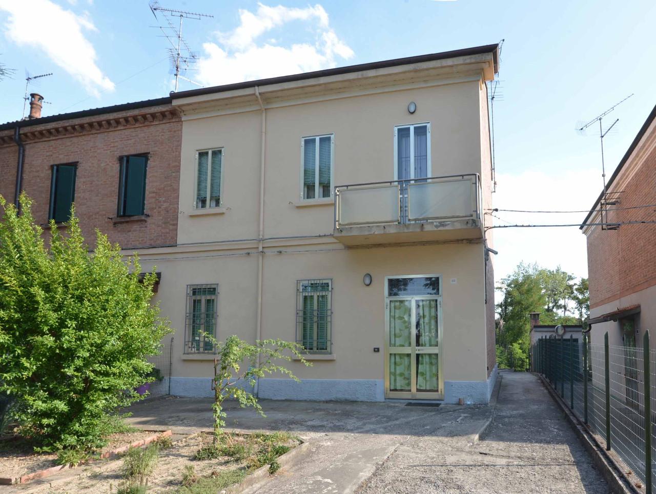 Villa Bifamiliare in vendita Ferrara Zona Via Pomposa