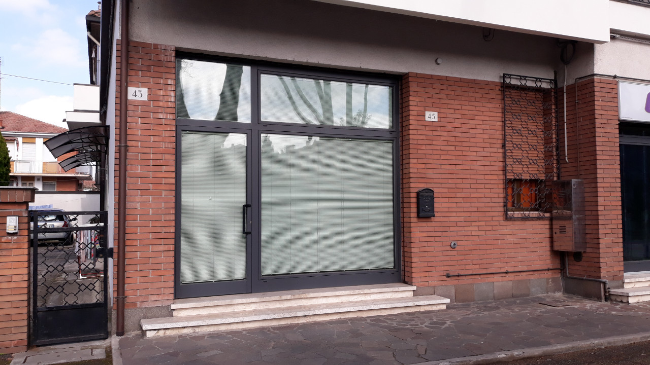 Ufficio / Studio in affitto a Ferrara, 9999 locali, zona Località: Via Comacchio, prezzo € 290 | PortaleAgenzieImmobiliari.it